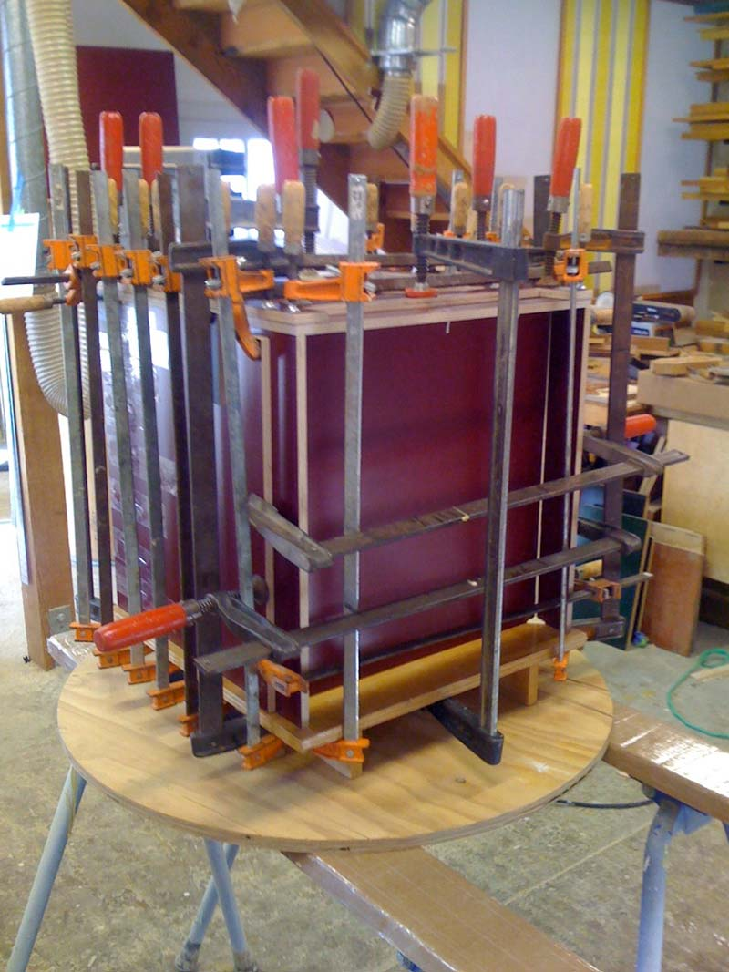 donald-judd-furniture-11