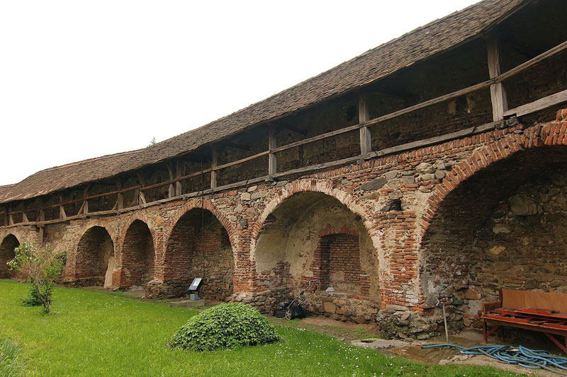fortified-churches-08-cisnadie