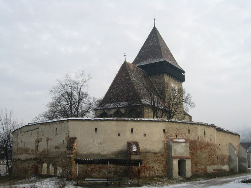 fortified-churches-10-Axente-Sever