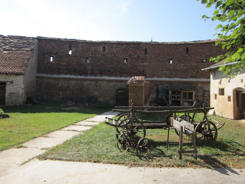 fortified-churches-11-Axente-Sever
