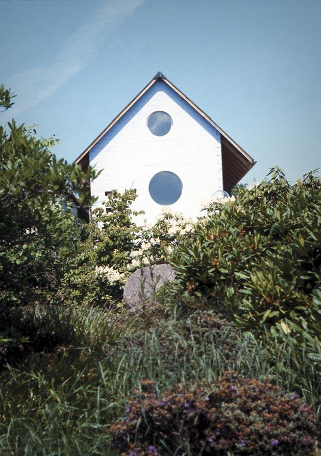 hdem-blue-house-01