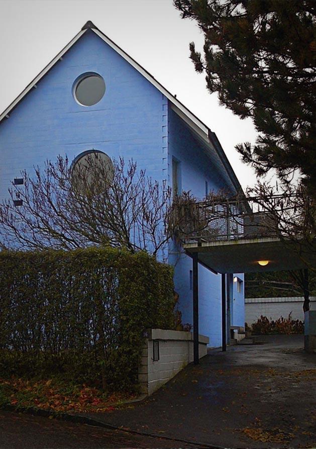 hdem-blue-house-03