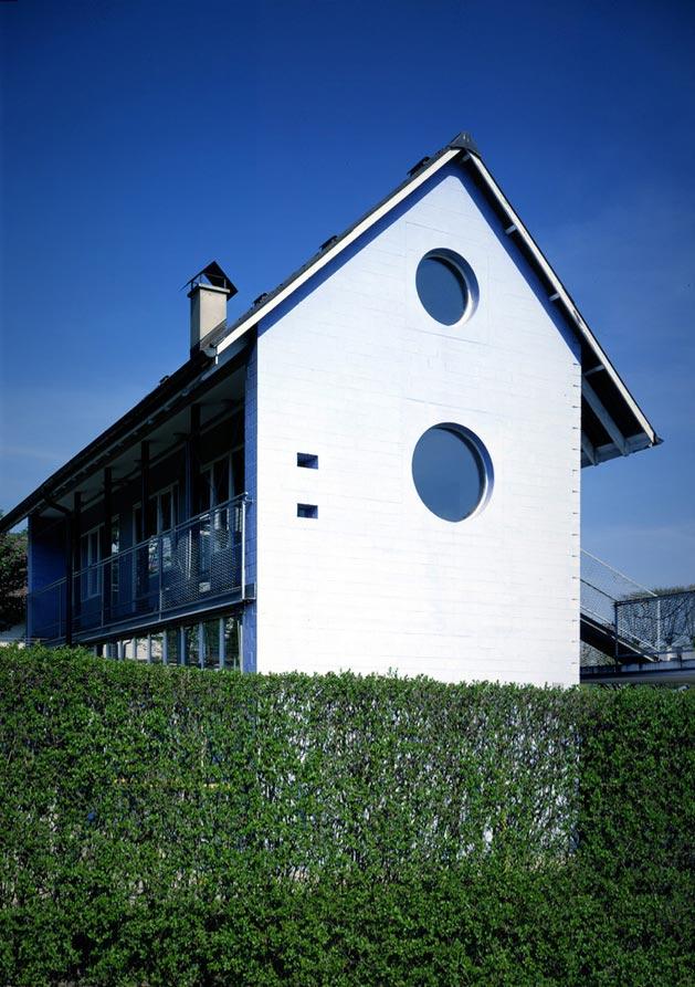 hdem-blue-house-05