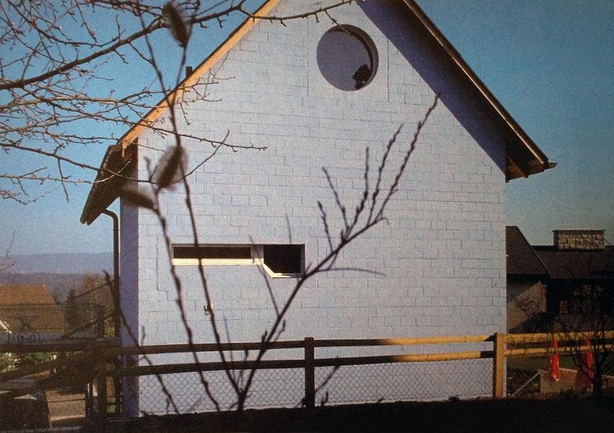 hdem-blue-house-10