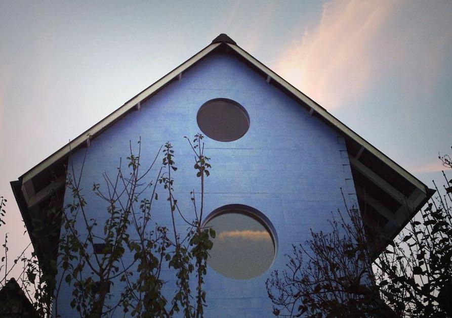 hdem-blue-house-11