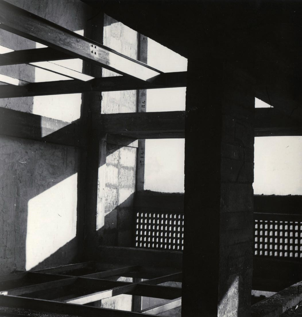 Loggia et structure porteuses en cours de travaux, Marseille, 1949